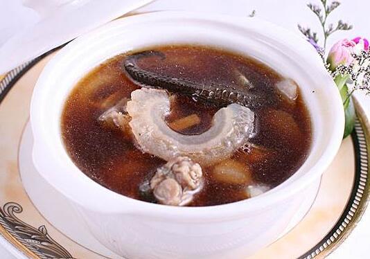 巴戟海马牛鞭汤温肾助元,适用于畏寒肢冷阳痿腰膝酸软